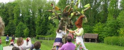 Échassiers nature, Homme branché et Dame Nature, animation sur échasses pour vos évènements