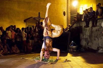 Fakir, cirque, cracheur de feu, animation pour vos évènements.